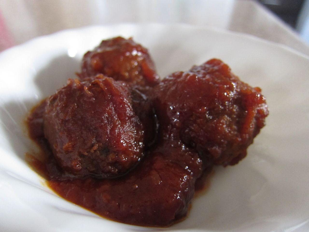 slow cooker meatballs...